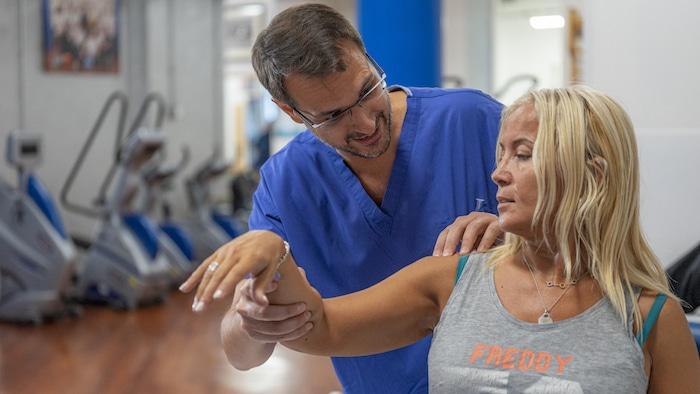 valutazione di intervento per protesi di spalla